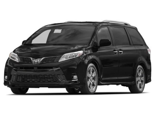 2018 Toyota Sienna SE 8-Passenger V6 | Technology Package Van Passenger Van