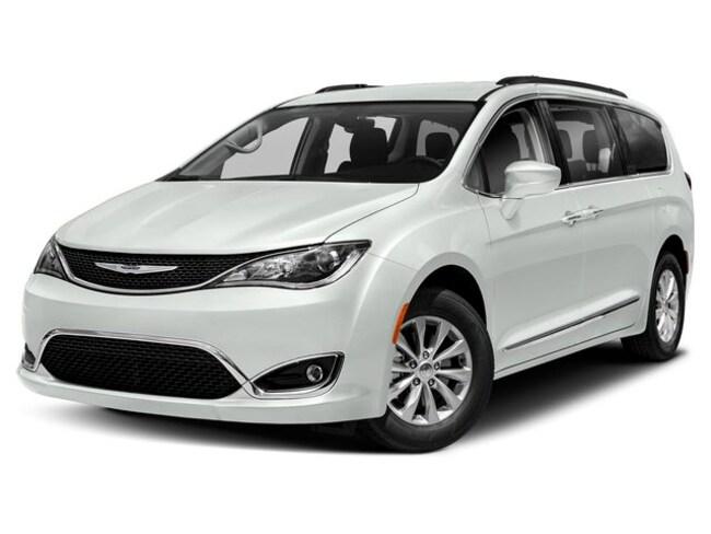 2019 Chrysler Pacifica Touring-L Van Passenger Van