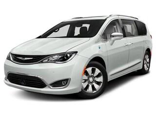 2019 Chrysler Pacifica Hybrid Touring-L Van