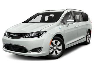 2019 Chrysler Pacifica Hybrid Limited Mini-van Passenger