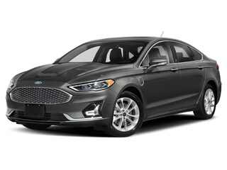 2019 Ford Fusion Energi Titanium Berline 2.0L Ordinaire sans plomb Magnetic