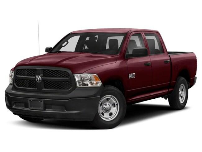 2019 Ram 1500 Classic SXT Plus Truck Crew Cab