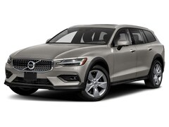 2019 Volvo V60 Cross Country T5 AWD Momentum Wagon