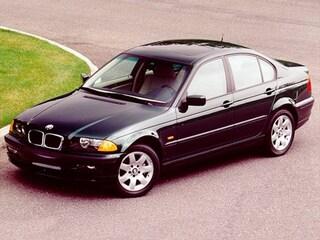 1999 BMW 323 i Sedan