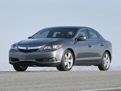 2013 Acura ILX Base w/Premium Package Sedan 5 speed automatic 2.0L