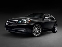 2014 Chrysler 200 GET A CHRISTMAS GIFT WITH EVERY VEHICLE PURCHASE! Sedan