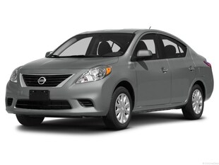 2014 Nissan Versa SV - Automatic! Winter Tires! Great Shape! Sedan
