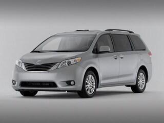 2014 Toyota Sienna XLE Van