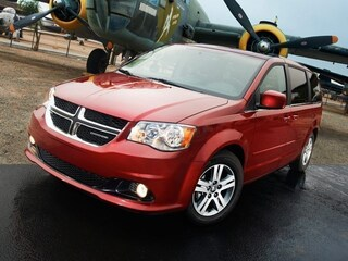 2015 Dodge Grand Caravan Crew Grew. LOW KMS! Fully Loaded. Leather, Roof, D Van