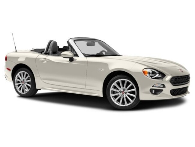 2017 FIAT Spider LUS Lusso Convertible
