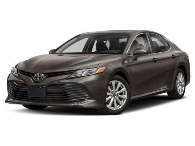 2018 Toyota Camry 4-Door Sedan SE 6A Sedan