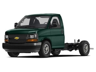 2017 Chevrolet Express Cutaway Truck Woodland Green