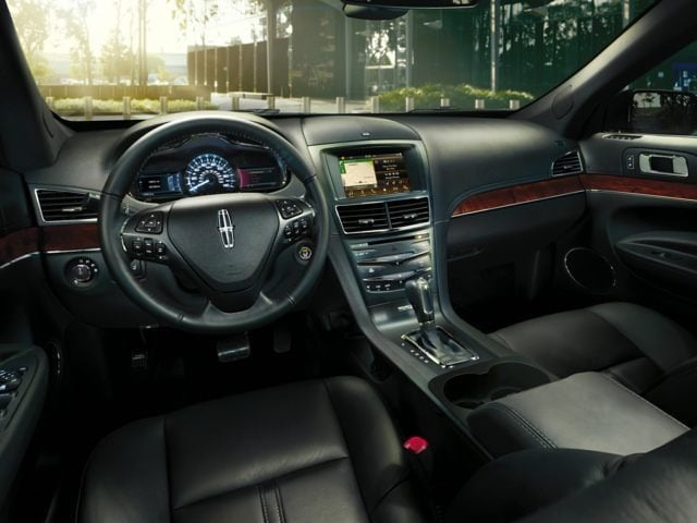Lincoln MKT Interior Front