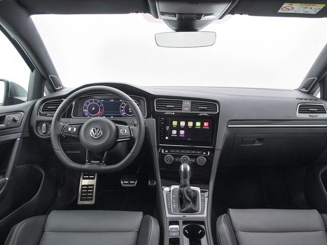 2019 Volkswagen Golf R Interior