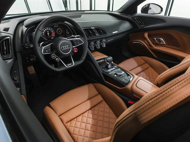 2020 Audi R8 Front Seat