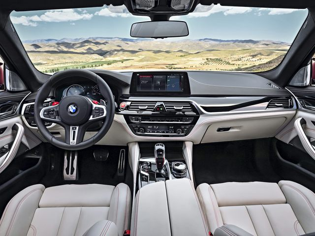 2020 BMW M5 Front Seat