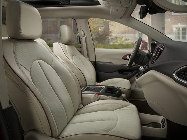 2020 Chrysler Pacifica Front Seat