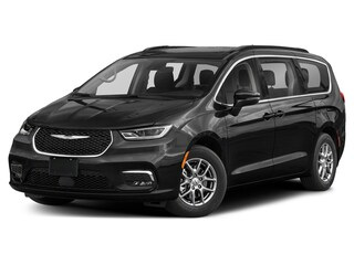 New 2021 Chrysler Pacifica TOURING L AWD Passenger Van for sale in Cambridge, MN