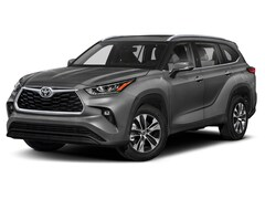 New 2021 Toyota Highlander near Canton, OH