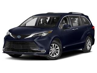 New 2021 Toyota Sienna XLE 7 Passenger Van 5TDJSKFC2MS017316 in Winchester, VA
