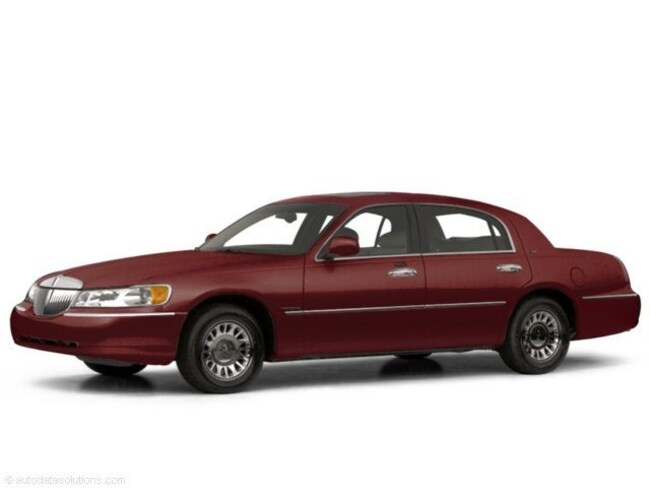 2000 Autumn Red Lincoln Town Car For Sale Near Okc