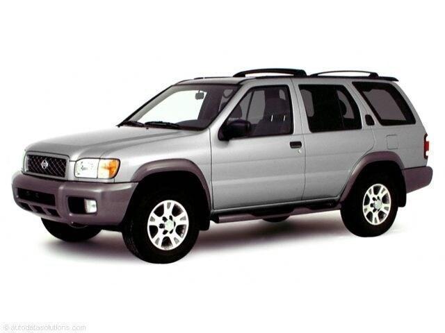 2000 Nissan Pathfinder XE SUV
