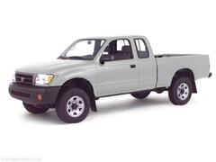 2000 Toyota Tacoma Base Extended Cab Short Bed Truck