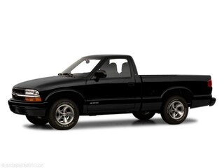Used 2001 Chevrolet S-10 Truck Regular Cab for sale in Dickson, TN