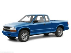 2001 Chevrolet S-10 LS Ext Cab 123 WB Truck Extended Cab