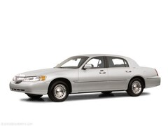Used 2001 Lincoln Town Car Executive Sedan in Howell MI