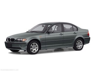 2002 BMW 325 i Rear-wheel Drive Sedan