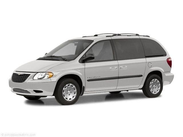 2002 Chrysler Voyager Base Minivan/Van