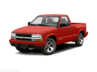 2002 Chevrolet S-10 LS 2WD Truck Regular Cab