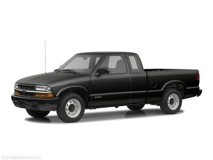 2002 Chevrolet S-10 Pickup Truck Extended Cab