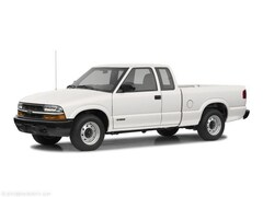 Bargain Used 2002 Chevrolet S-10 LS Ext Cab 123 WB 4WD LS 1GCCT19W428243963 in Virginia Beach