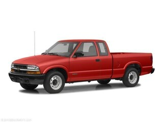 2002 Chevrolet S-10 LS Truck Extended Cab near Toledo, OH
