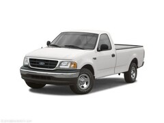 2002 Ford F-150 XL Regular Cab Pickup
