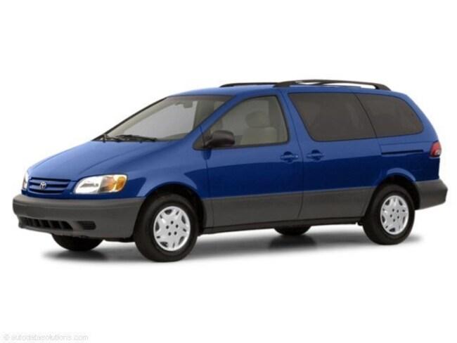 2002 Toyota Sienna Mini-Van