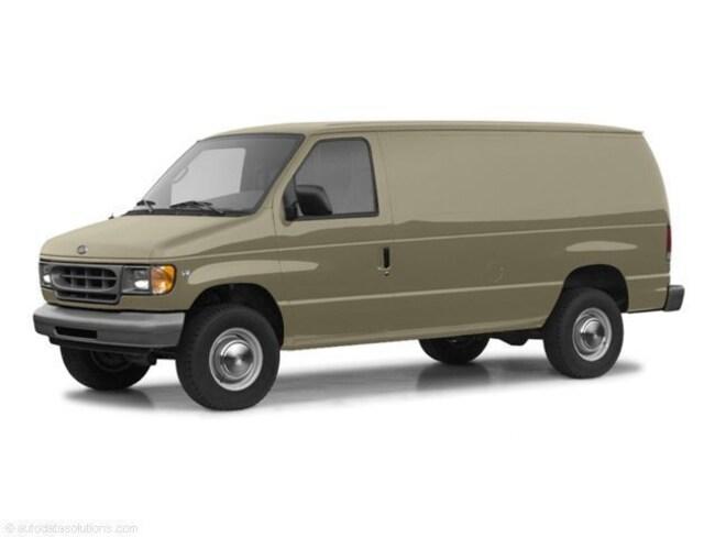 2004 Ford E-350 Super Duty Van Extended Cargo Van