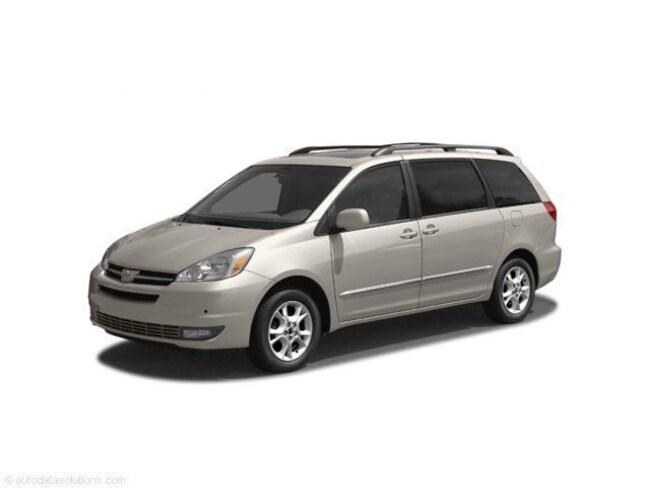 2004 Toyota Sienna LE Van