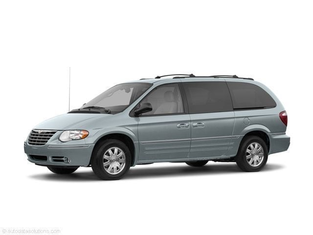 2005 Chrysler Town & Country LWB Limited FWD Van