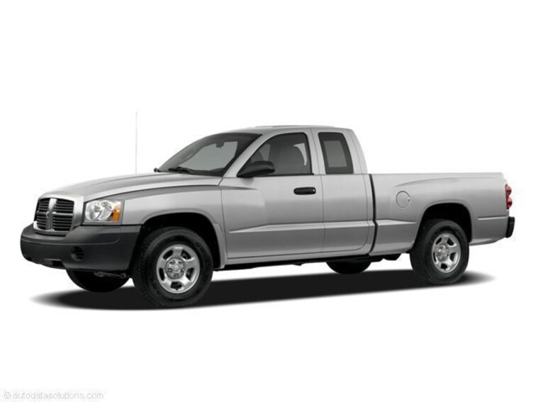 Used 2005 Dodge Dakota SLT Truck Club Cab for sale at Subaru of Macon in Macon, GA