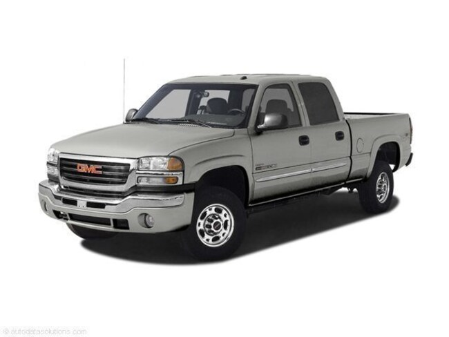 2005 GMC Sierra 2500HD SLE Crew Cab Short Bed Truck