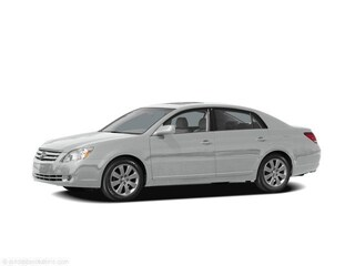 Used 2005 Toyota Avalon XLS Sedan for sale in Knoxville, TN