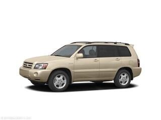 Bargain used vehicle 2005 Toyota Highlander V6 SUV for sale in Green Bay, WI