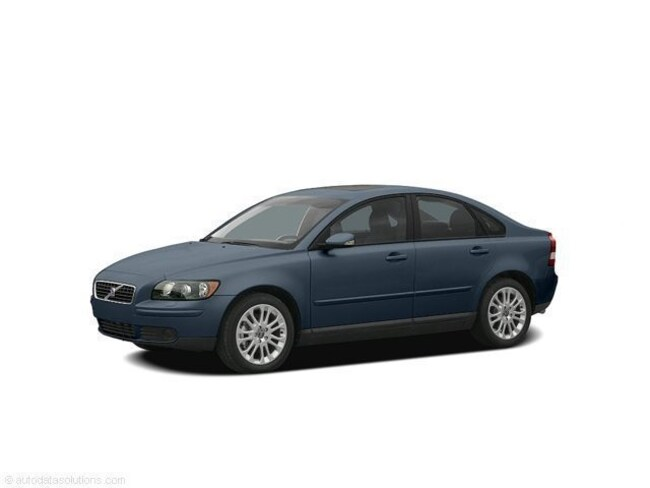 Used 2005 Volvo S40 T5 Sedan for Sale in London, KY & Corbin, KY.