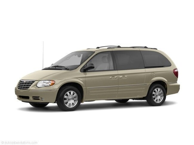 Used 2006 Chrysler Town & Country LX Van Morrison, IL