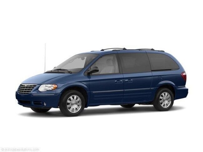 2006 Chrysler Town & Country Limited Passenger Van