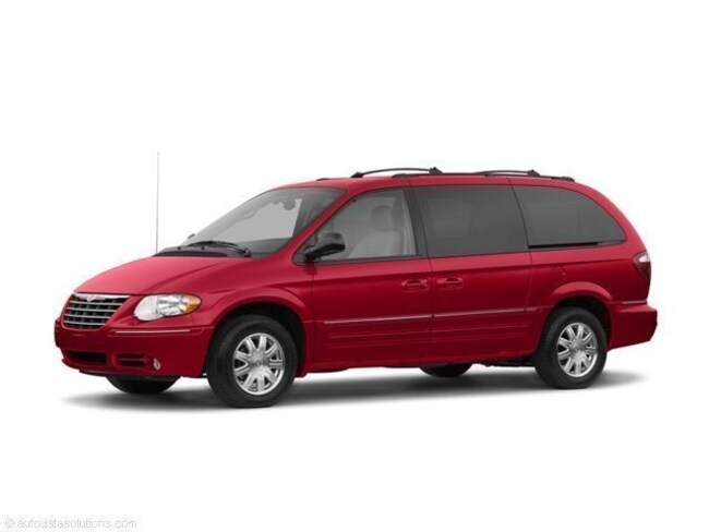 Used 2006 Chrysler Town & Country Limited Van near Rupert ID