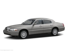 Bargain 2006 Lincoln Town Car Signature  WHOLESALE TO PUBLIC/SOLD AS IS Sedan for sale near you in Southfield, MI